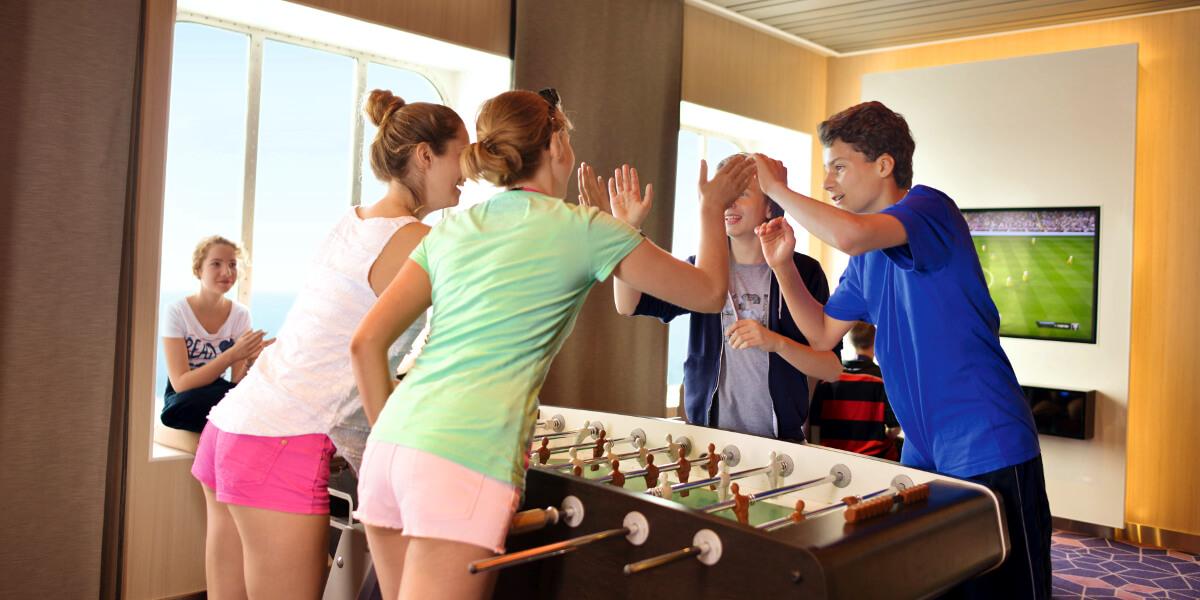 Vorgestellt Teens Clubs An Bord Von Aida Tui Cruises Msc Und Costa